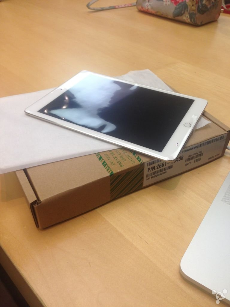 chinese-netizen-breaks-ipad-air-2-and-replaced-in-hong-kong_05