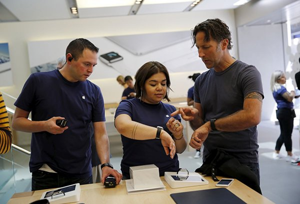 former-apple-store-employee-tells-their-exp_01