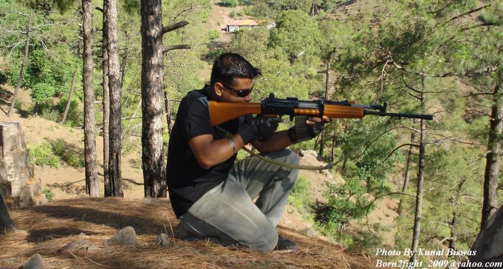 Man_with_a_Indian_5.56mm_Insas_Rifle