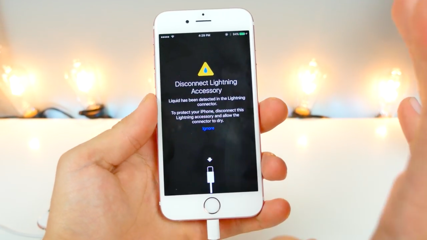 ios-10-beta-3-will-notify-you-when-lightning-is-wet_00a