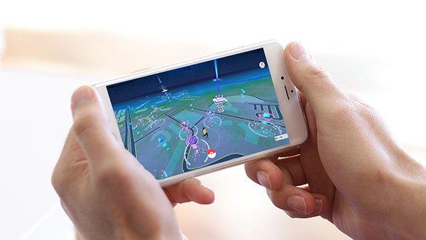 pokemon-go-in-iphone-landscape-mode_00