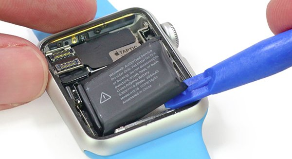 apple-watch-2-battery-leak-photos_00