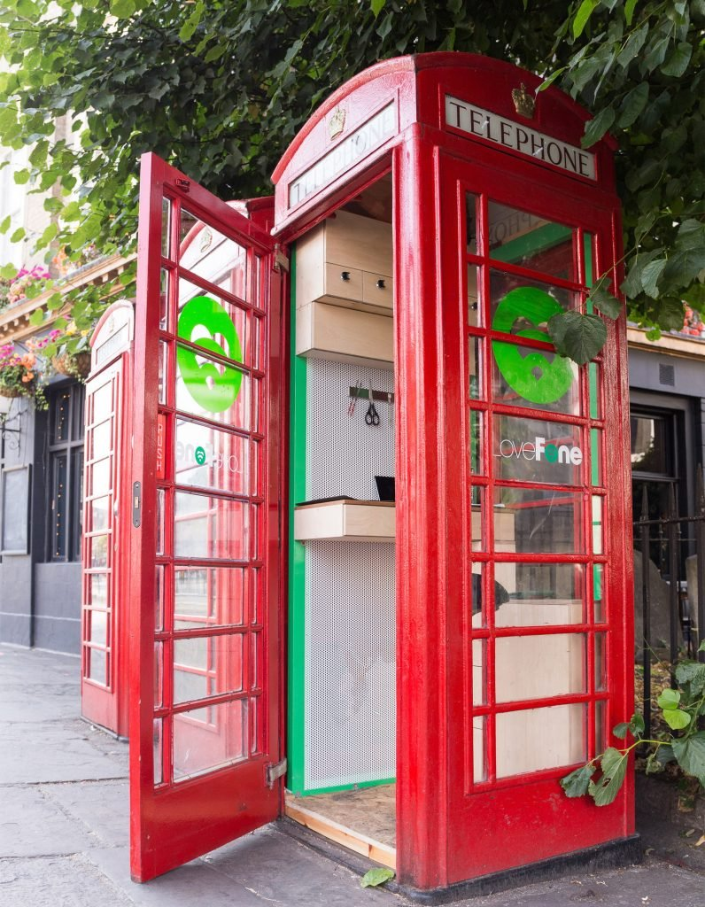 lovefone-box-london-mobile-phone-uk_dezeen_1704_0