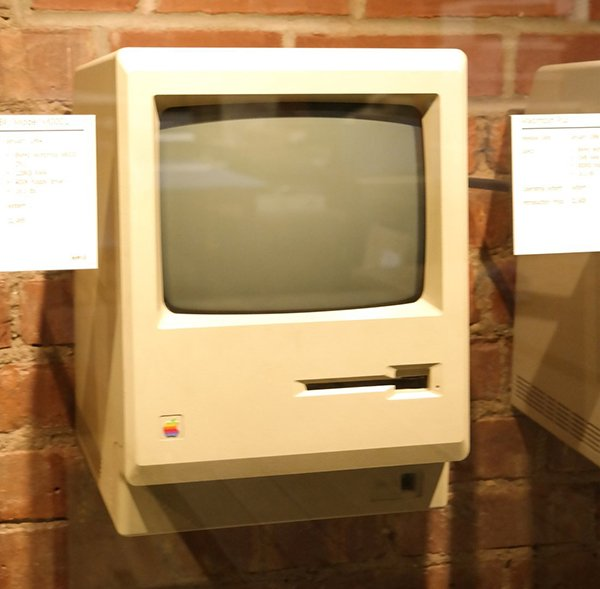 tekserve-macintosh-collection-new-york_04