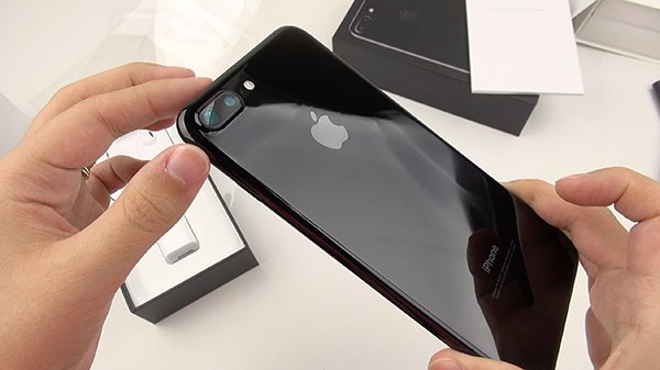 the-reason-that-jet-black-iphone-7-is-difficult-to-order_00
