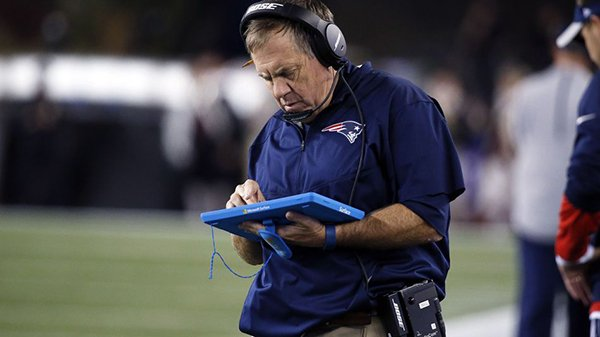 nfl-coach-microsoft-surface_00
