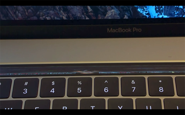a-game-has-been-ran-in-macbook-pro-touch-bar_00