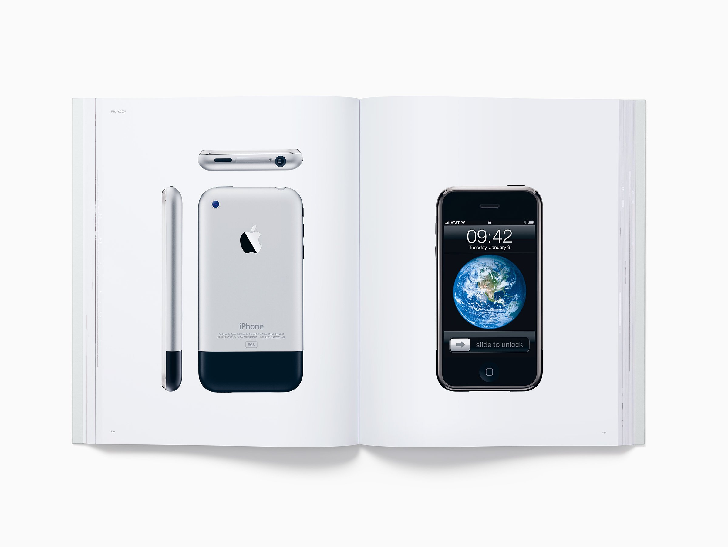 apple-book-designed-by-apple-in-california_00