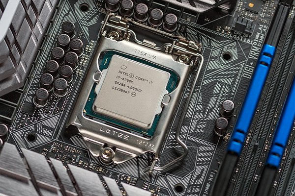 iphone-made-in-usa-benefit-intel_02