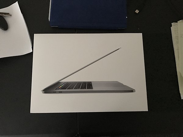 macbook-pro-with-touch-bar-delivery_02
