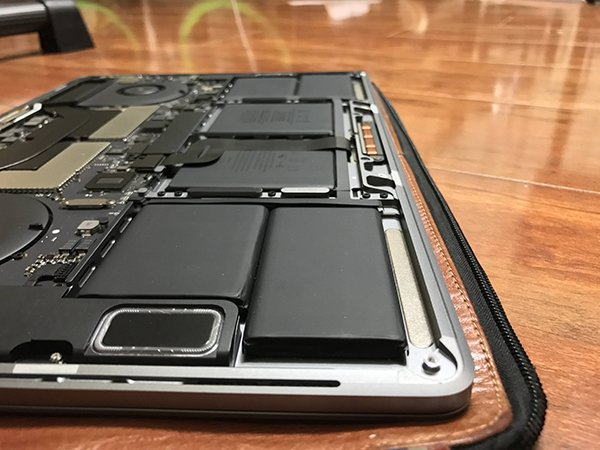 macbook-pro-with-touch-bar-no-removable-ssd_05