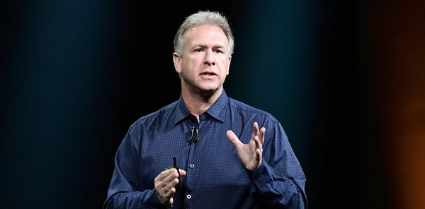 phil-schiller-explain-why-mac-have-no-touch-screen_01
