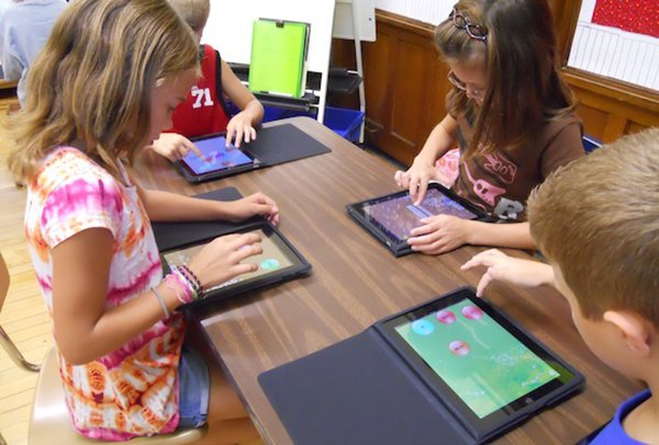 uk-minister-urges-school-to-stop-using-ipads-in-lessons_01