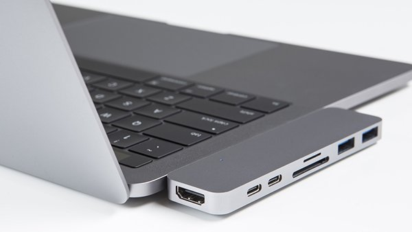 kickstarter-hyperdrive-macbook-pro_00